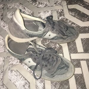 Saucony gray athletic shoe sneaker
